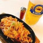 熊本城温泉 城の湯のレストラン - 料理写真:まずは、豚キム&ビール