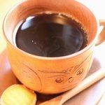 ひびきの - 料理写真:珈琲は1杯分ずつ挽いてから丁寧にドリップ。手彫りの木製カップに入れてお出しします♪