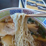 食べ処 高峰 - 縮れ細麺