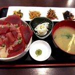食堂まぐろや - 料理写真:マグロ丼(並)!