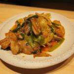 88208461 - 鶏肉のレッドカレー炒め