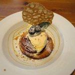 マリポサカフェ - アップルパイのバニラアイスのせ!