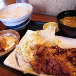 なまらうまいっしょ - ランチの国産豚バラ定食