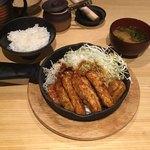 豚屋とん一 - とんテキ 定食  ¥990+税