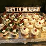 テーブル ビート - トマトとアールグレイのティラミス(右)@トマトオイル漬けの塩気がいい