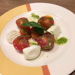 88216115 - トマトとモッツァレラのカプレーゼ