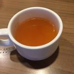 グラッチェガーデンズ - 生中を2杯飲み、ドリンクバーは利用無し、締めにスープを頂きました。(^^;