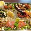 Sakekuidokoroideyoshiaru - 料理写真:12種類のおかずがのっかったメインプレート(2018.06.25)