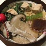 向龍館 - 料理写真:松茸の釜飯(税込1000円)(2018.06現在)