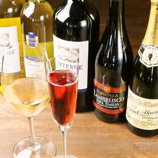 """シニアソムリエ厳選""""カリテプリ""""なこだわりワインの数々"""