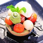 サクランボと白玉の抹茶クリームタルト