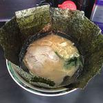 田島家 久里浜店 - 料理写真:ほらね、見ためは完全に家系でしょ?