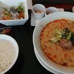 88225744 - 濃厚ゴマ担々麺ランチ(税込1,058円)