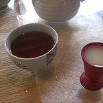 Kyoudoryourioshokujidokorowaraku - お茶と甘酒