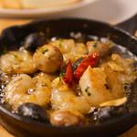海老とマッシュルームのセゴビア風アヒージョ