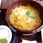 佐藤養助  - 料理写真:夫は温と冷両方が楽しめる味比べを1100円。