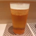 88233918 - ビールで乾杯
