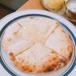 やっぱりインディア - チーズクルチャ