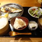 魚感うえさき - 焼き魚ランチ(1100円)