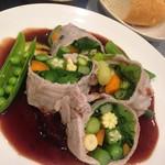 cafe やお亭 - 6/25~7/1の定食「豚ばら肉と夏野菜の蒸し焼きほんのり甘い赤ワインソース」