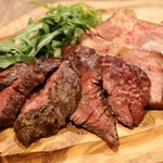 ビストロ カリテプリ - 豚肩ロースと牛ハラミ盛り合わせ