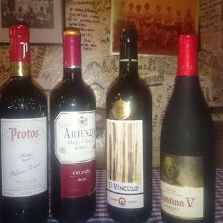 スペイン料理に合うドリンクをご用意。スペインワインと共に…