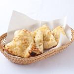 インド料理スラージ - チーズナン