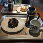 ディーバイエム - ドーナツとコーヒー