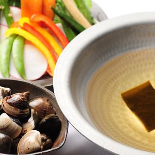 粋なコースは3種類。普段のお食事からカジュアルな接待まで。