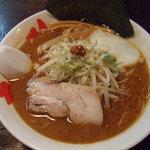 らーめん竜雅 - 料理写真:赤コク味噌らーめん650円。