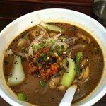 中国厨房 C-MEN-HAN. - 黒胡麻刀削麺