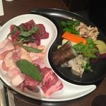 八幡野温泉郷 杜の湯 きらの里 - 料理写真:夕食の溶岩焼き山ぼうし