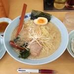 ラーメン青木亭 - 醤油ラーメン小600円+ダシ丼200円+ギョーザ3コ100円