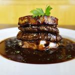 宇都宮スパ屋 - 料理写真:◎牛フィレ肉とフォアグラのロッシーニ