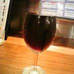 サーモンベーネ - なみなみ赤ワイン