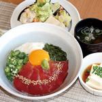 満天食堂 - 鮪の3色スタミナ丼 〜 卵黄を添えて 〜