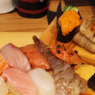 魚路 - 料理写真:特上にぎり、追加で特上ウニ軍艦