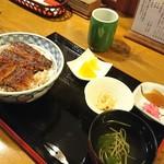鰻 与八 - 料理写真:平日ランチのうな丼