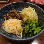 東京苑 - ナムル(600円)