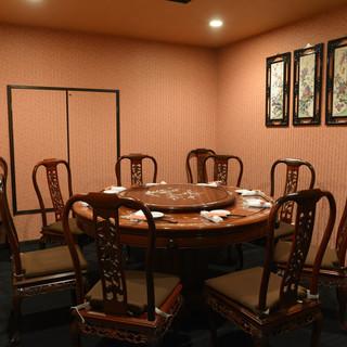 屋台風や格式ある部屋など◎様々なシチュエーションに対応の店内
