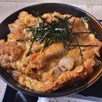 よーい丼 - 料理写真:●甘辛とんかつ丼(大)1000円税込 ・みそ汁付き 大盛はご飯約380g