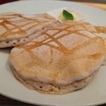 88295318 - メープルとバターのパンケーキ アップ(18-06)