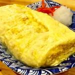 いなせや - 「だし巻き玉子」(250円)。メイン料理の製造は副店長担当。