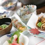 魚三楼 - 料理写真:240余年の伝統を受け継ぐ名店