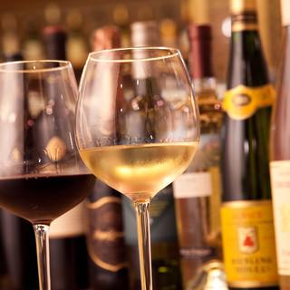 全国厳選の日本酒や自家製サングリアなど充実のラインナップ!!