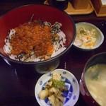 和食 美やま - 料理写真:たっぷりいくら丼