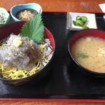池田丸 - 生しらす丼