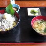 池田丸 - しらす二色丼