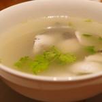 喜記 - ピータン・パクチー入り魚スープ