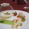マゼランズ - 料理写真:ホワイトアスパラガスのマリネとズワイ蟹のサラダ、冷製コーンクリームスープ